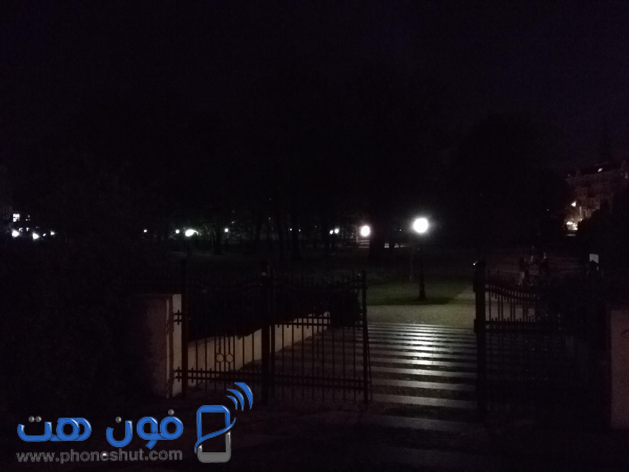 صورة بواسطة موبايل هواوي Honor 5x في ظروف إضاءة ضعيفة