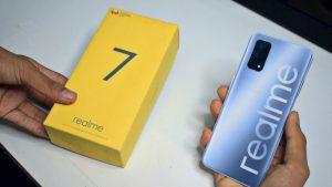 محتويات علبة هاتف Realme 7